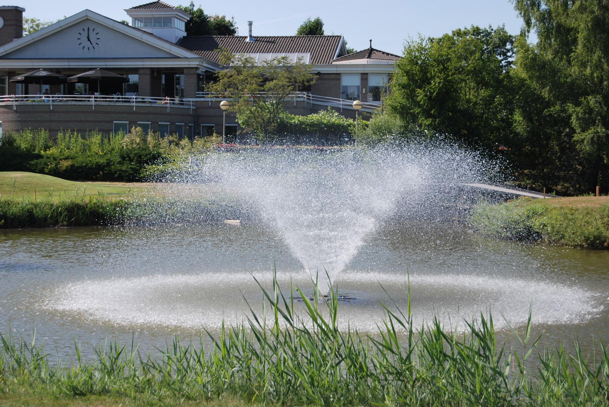 Best Golf fontein